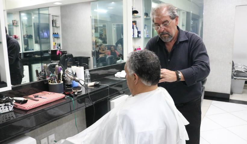 Cesar Cabeleireiro destaca os serviços masculinos