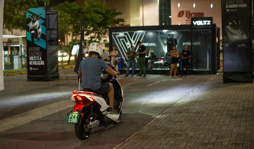 Empresa Voltz traz motos elétricas ao RioMar