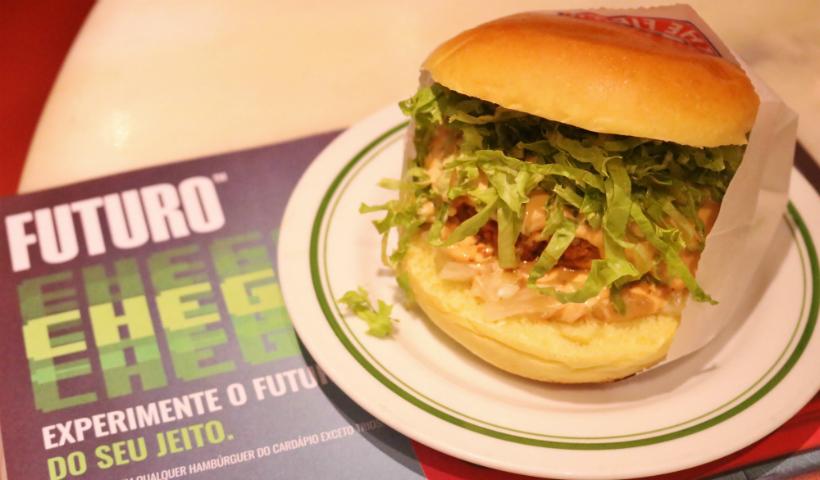 The Fifties oferece hambúrguer 100% vegetal em qualquer prato