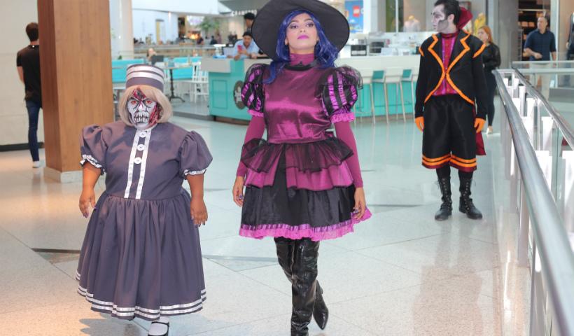 """Monstros"" invadem o RioMar no Halloween Teen"