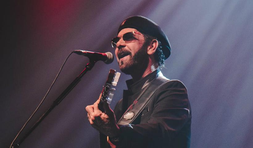 Nando Cordel canta seus maiores sucessos no Teatro RioMar