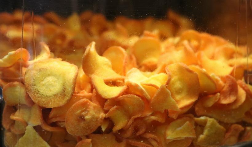 Chips de frutas e legumes para um lanchinho saudável