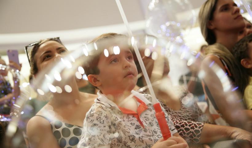 Vídeo: luzes e emoção na abertura do Natal RioMar