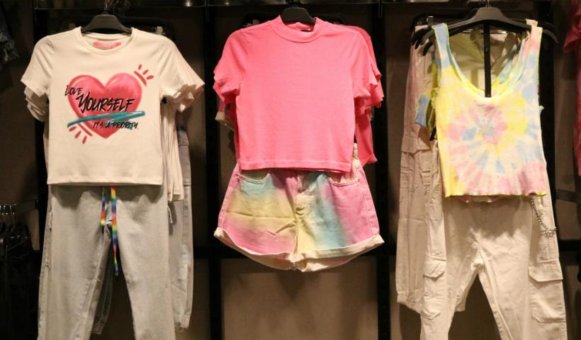 Youcom inaugura com moda jovem para todos os estilos