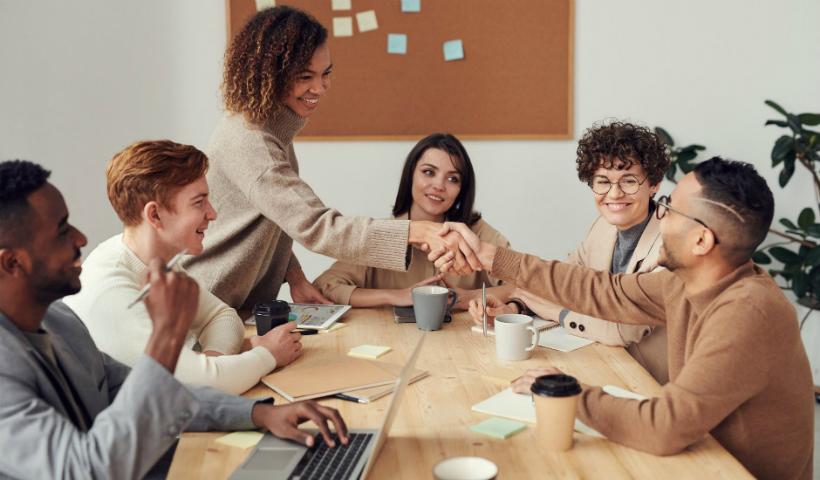 Inteligência social: uma ferramenta útil para se desenvolver