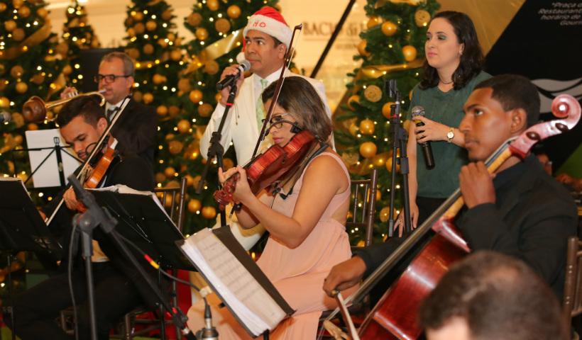 Orquestra Matéria Prima na Véspera de Natal do RioMar