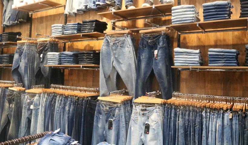 Volta às aulas: três dicas para renovar o jeans