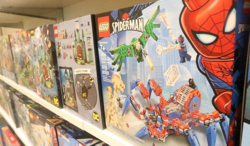 Loja Lego anima as férias com os brinquedos montáveis