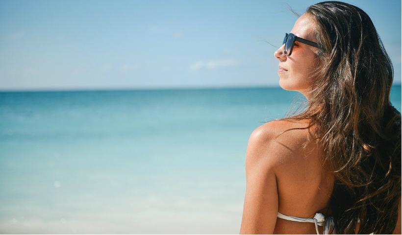 Hope chama a atenção para o uso correto dos óculos de sol