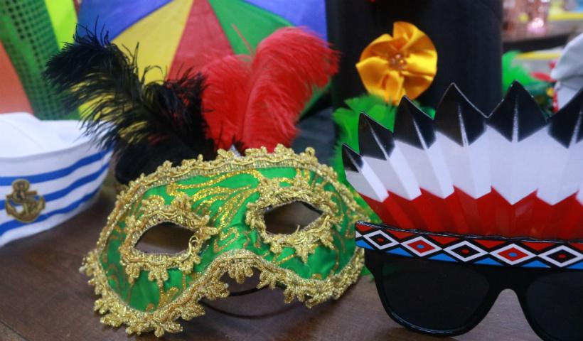 Hora da folia! Tudo para o seu Carnaval na Kinitos Festas