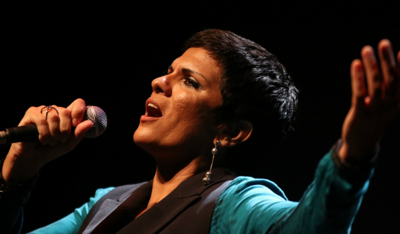 RioMar celebra Dia da Mulher com show de Sheyla Costa