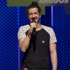 Teatro RioMar recebe novo show do comediante Afonso Padilha