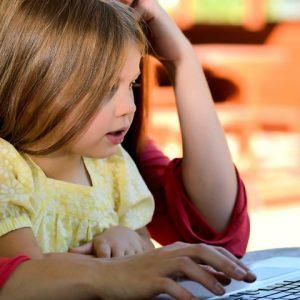 4 canais no YouTube para a criançada aprender se divertindo