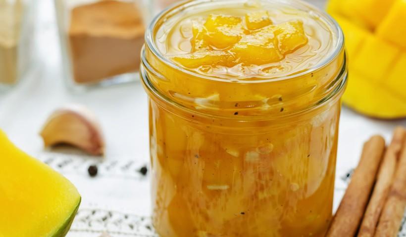 Reutilize potes de vidro para conservar um delicioso Chutney