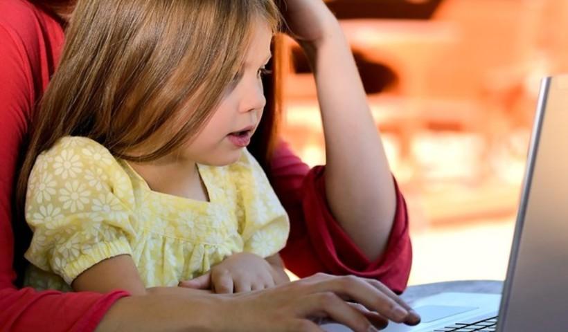 Como crianças podem se adaptar às aulas online?