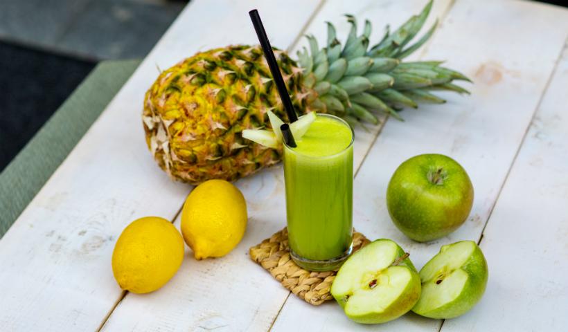 Nutritivo e refrescante: 3 receitas para fazer suco verde