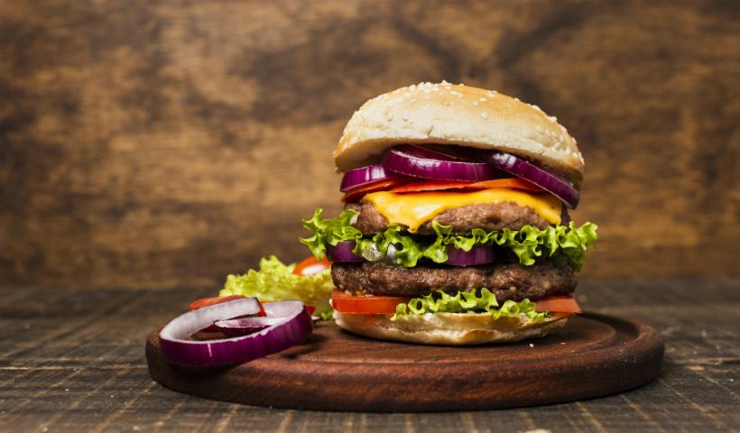 Delicioso e imperdível: veja 6 curiosidades sobre o hambúrguer