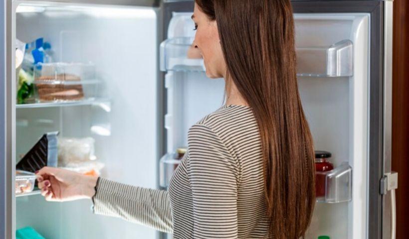 Saiba como manter sua geladeira limpa e organizada