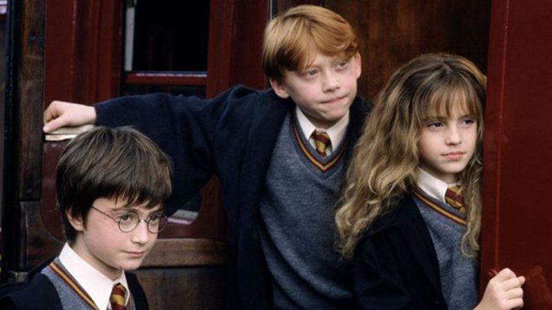 Primeiro livro de Harry Potter narrado por Daniel Radcliffe e outros famosos