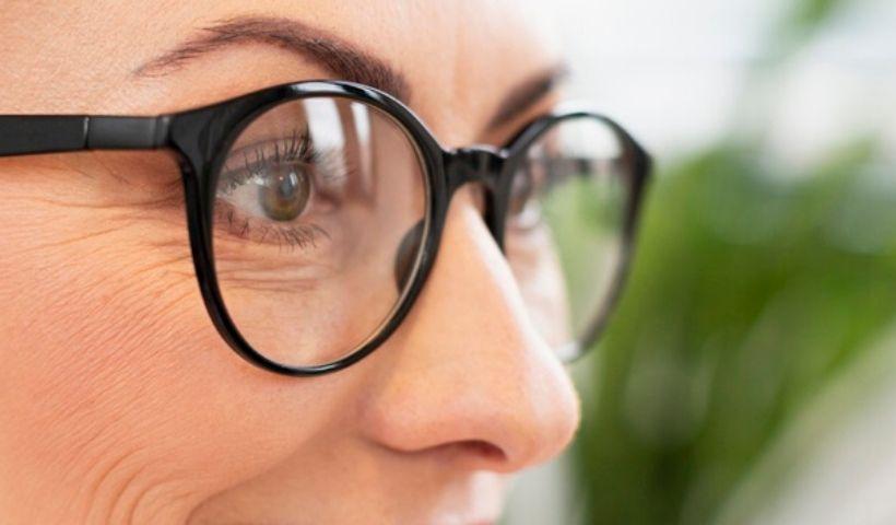 O que usar: óculos ou lentes de contato em período de pandemia?