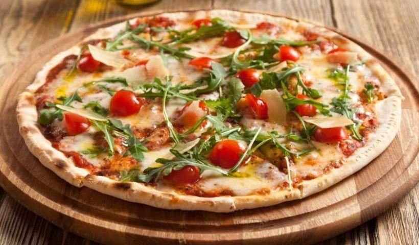 Hora da pizza! Escolha a sua e receba em casa com frete grátis