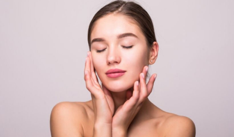 Pele lisinha e cheirosa: veja dicas de hidratantes