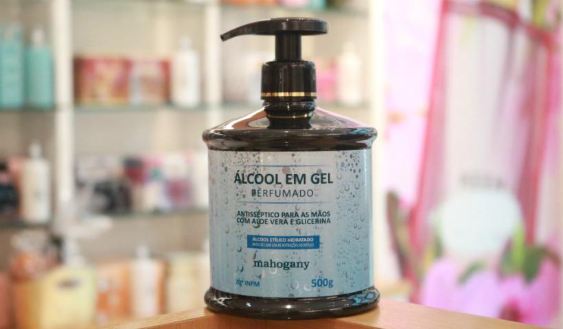 Álcool em gel perfumado e hidratante é destaque para as mãos