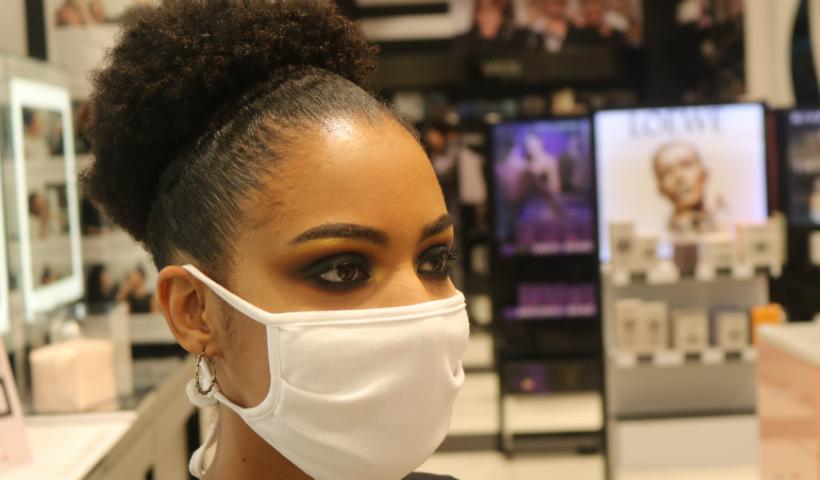 Make nos olhos: como arrasar mesmo usando máscara