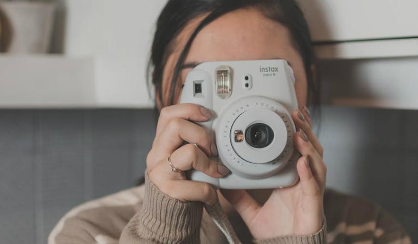 Foto impressa na hora? Câmera Instax e com frete grátis