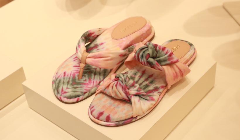 Arezzo tem Tie Dye e Animal Print na coleção de Verão 21