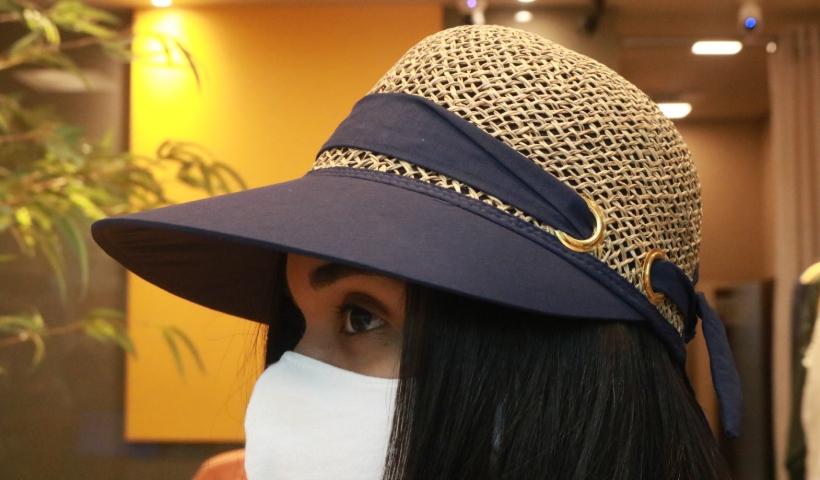 Chapéus para proteger do sol durante o feriado