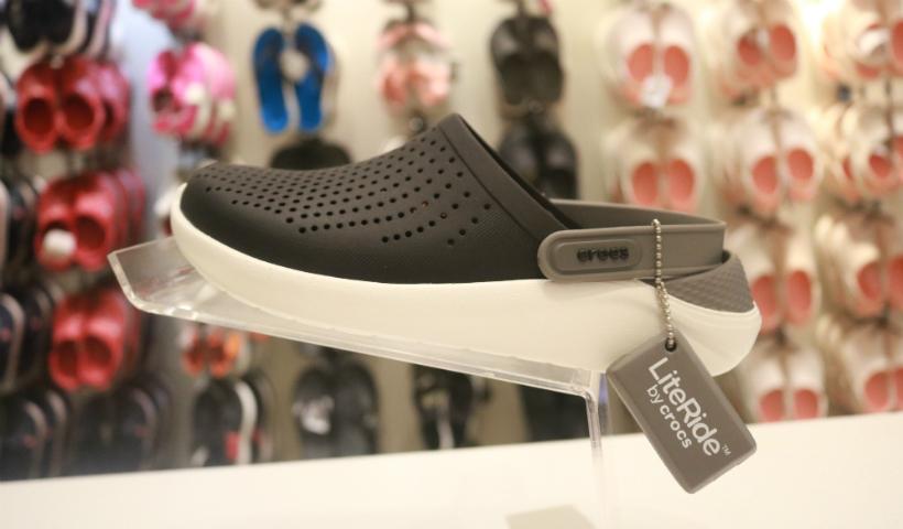 Crocs: modelos Lite Ride revelam conforto e estilo