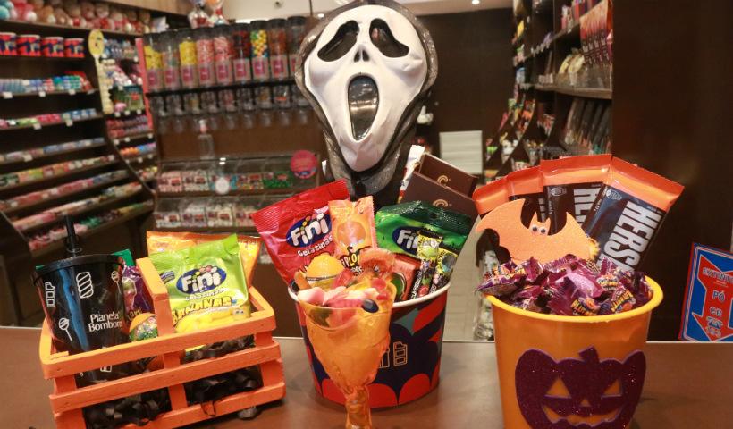Halloween: baldes de doces na Planeta Bombom