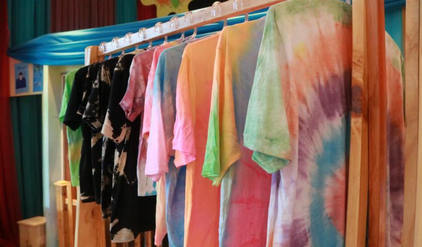 Tie Dye: compre os itens e faça você mesmo