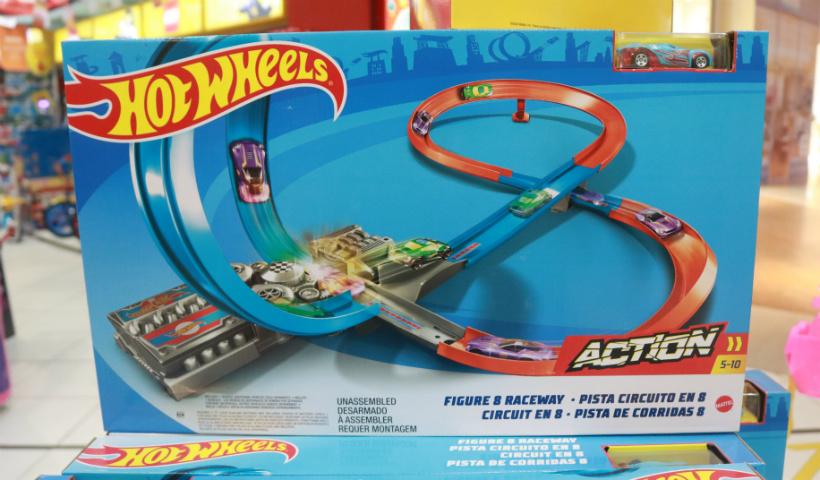 Criança gosta é de brincar: brinquedos para todas as idades