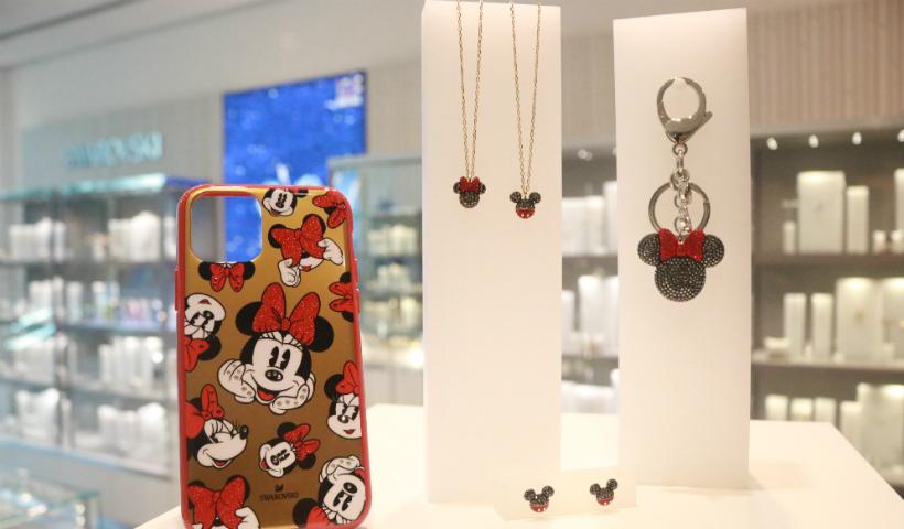 Mickey e Minnie estampam coleção da Swarovski