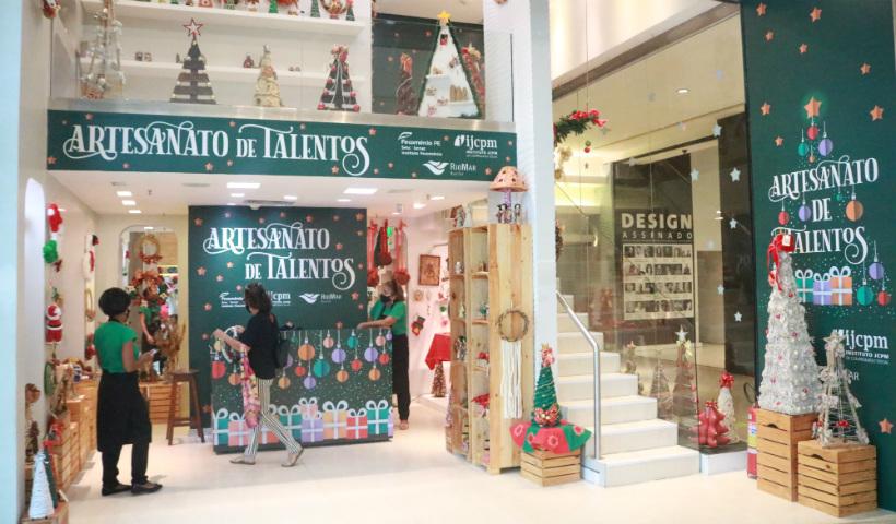 Loja natalina Artesanato de Talentos inaugura no RioMar
