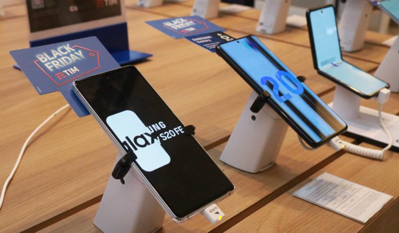 Black Friday da TIM destaca smartphones no plano família