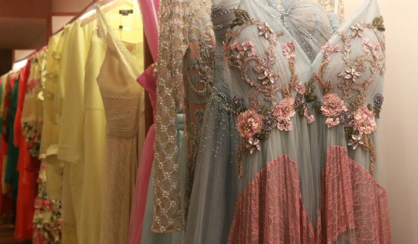 Sofisticada e fashionista, PatBO inaugura com estilo no RioMar