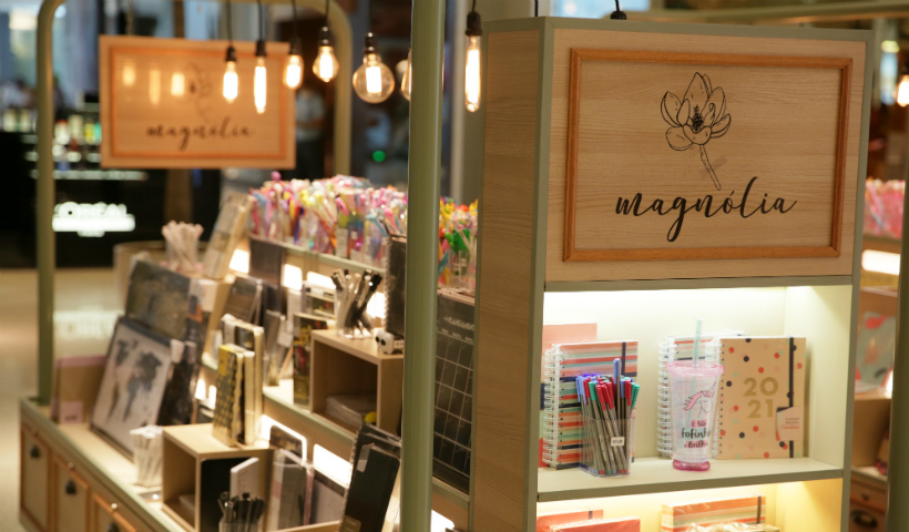 Magnólia traz papelaria para colorir seu escritório