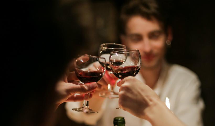 Ama saborear bons vinhos? Encontre o seu no RioMar Online