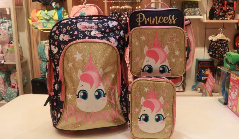 Puket traz de mochilas a cadernos na campanha de volta às aulas