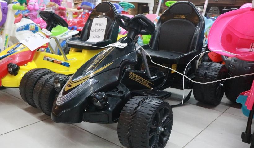 Carrinhos e motos elétricas aceleram a diversão dos pequenos