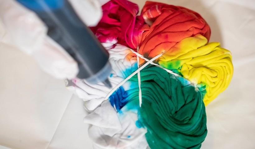 Tie Dye e Slime: adquira os kits e faça você mesmo