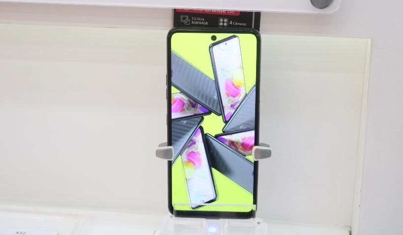 LG K52 em destaque na loja da TIM