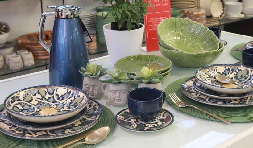 Mesa posta estilosa na Spicy com nova coleção Tsuru