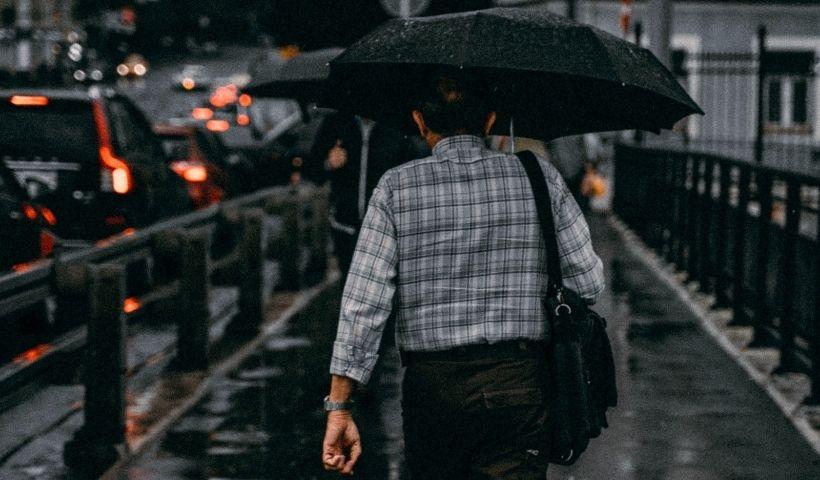 Vai sair de casa? Capa e guarda-chuva no RioMar Online