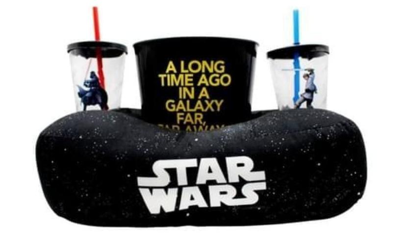 Cinema em casa: 5 dicas de almofadas com balde de pipoca