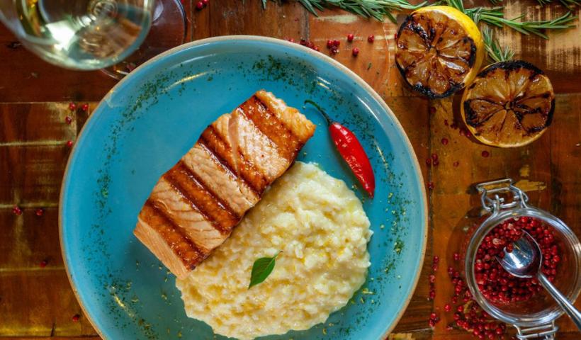 Semana Santa: Pobre Juan destaca prato especial com salmão