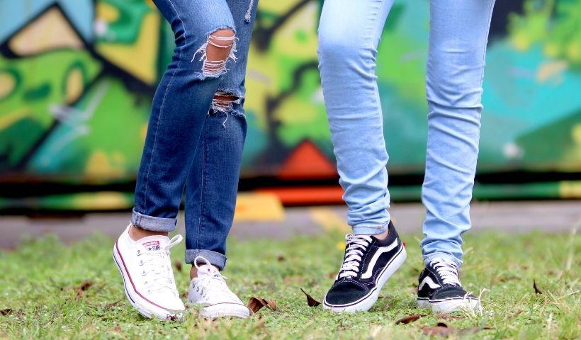 Jeans: da origem no campo à conquista dos looks